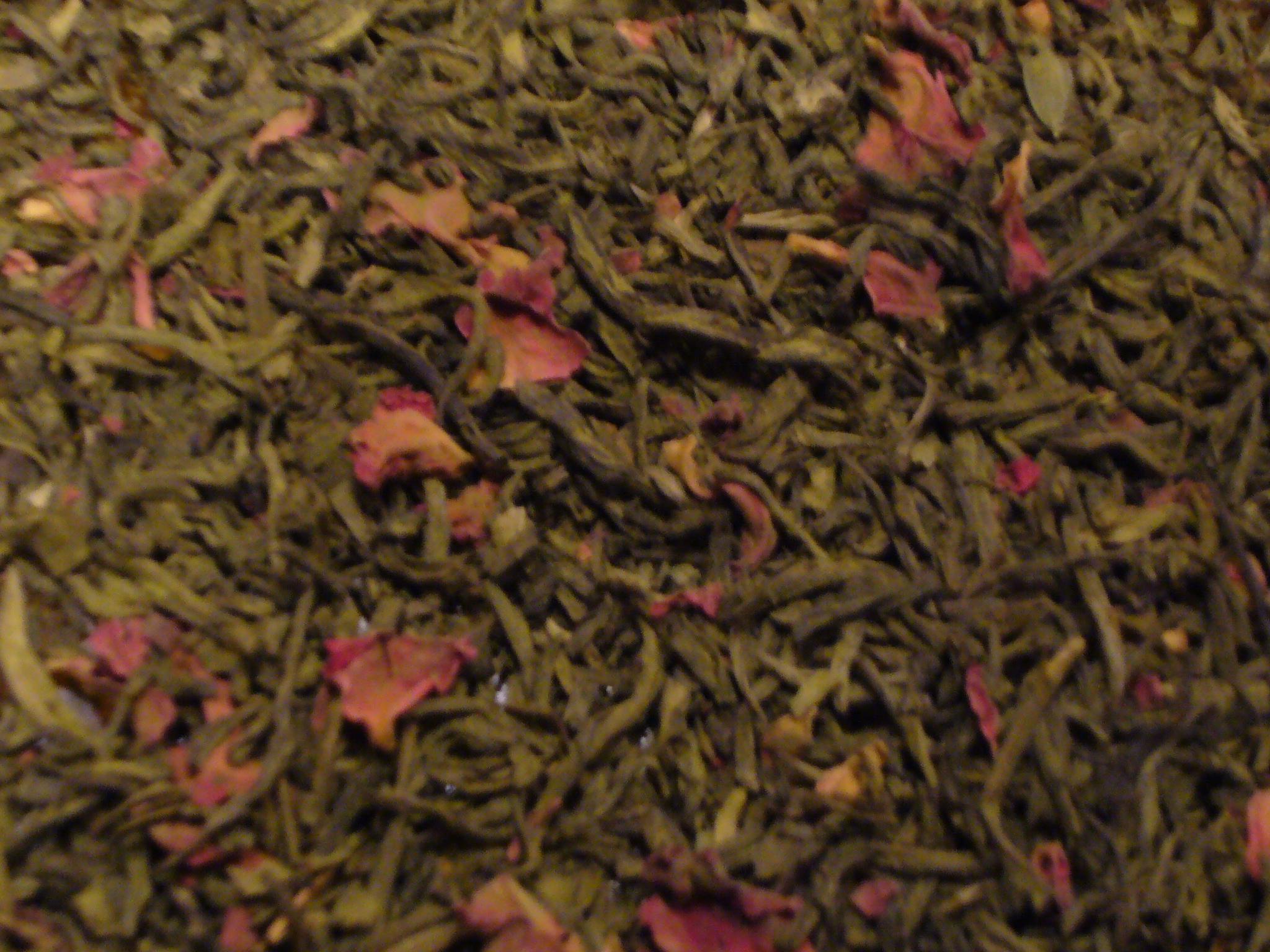 Rosentee mit Matcha Grüner Tee